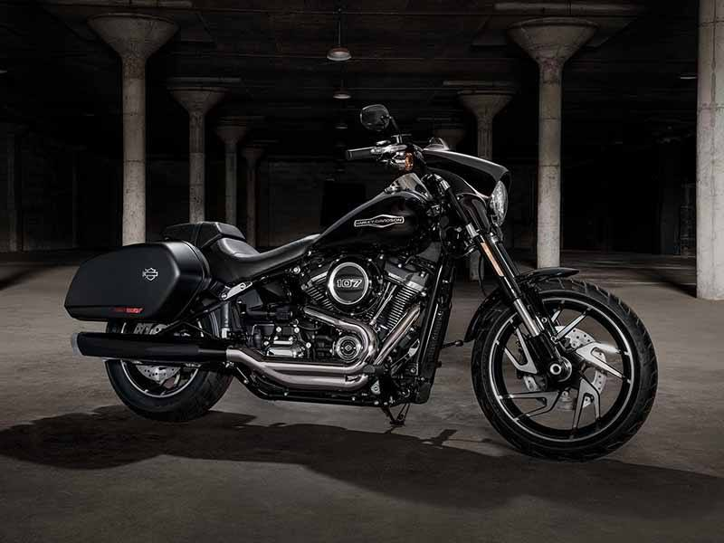 2018 Harley-Davidson Sport Glide™ in Pittsfield, Massachusetts