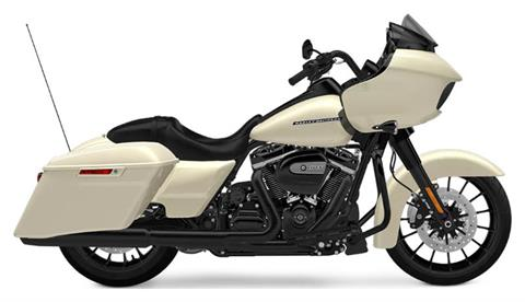 2018 Harley-Davidson Road Glide® Special in Waterford, Michigan