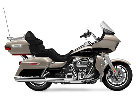 2018 Harley-Davidson Road Glide® Ultra in Carroll, Ohio