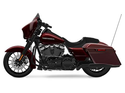 2018 Harley-Davidson Street Glide® Special in Mentor, Ohio - Photo 2