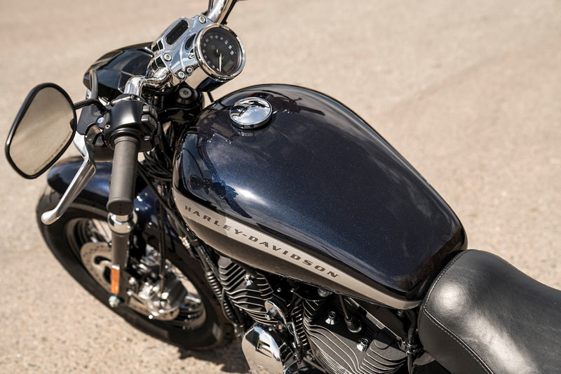 2019 Harley-Davidson 1200 Custom in New York Mills, New York - Photo 4