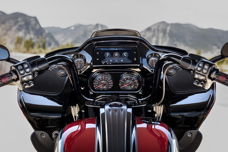 2019 Harley-Davidson CVO™ Road Glide® in Dumfries, Virginia - Photo 6