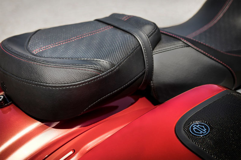 2019 Harley-Davidson CVO™ Road Glide® in Burlington, Washington - Photo 9