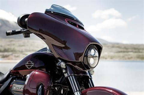 2019 Harley-Davidson CVO™ Street Glide® in Michigan City, Indiana - Photo 4