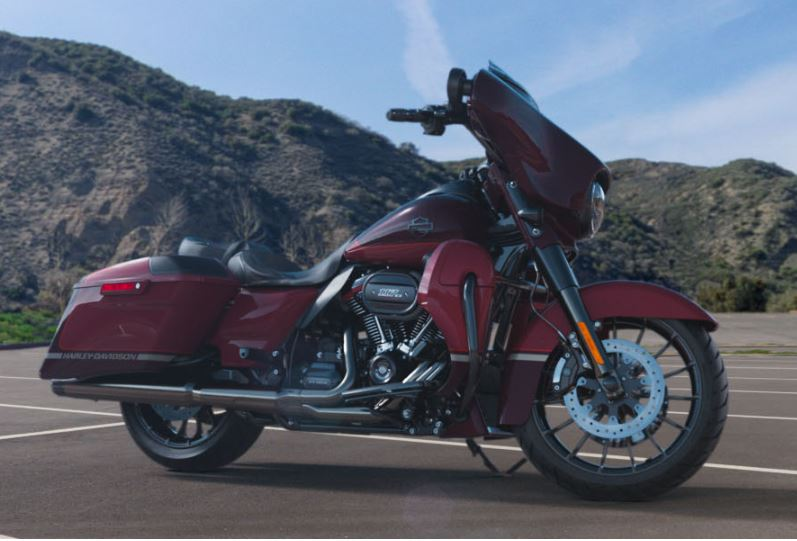 2019 Harley-Davidson CVO™ Street Glide® in Pittsfield, Massachusetts
