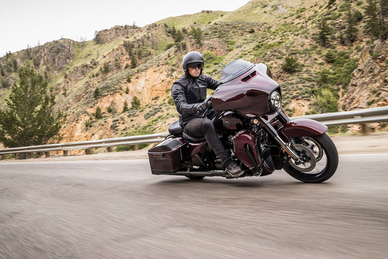 2019 Harley-Davidson CVO™ Street Glide® in Fremont, Michigan - Photo 2