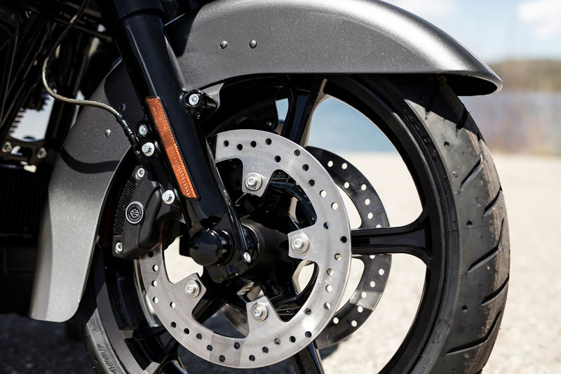 2019 Harley-Davidson CVO™ Limited in Augusta, Maine - Photo 8