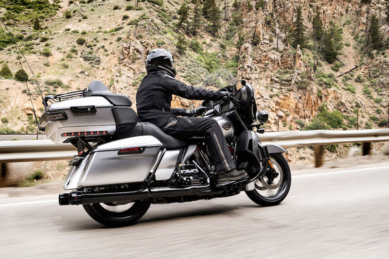 2019 Harley-Davidson CVO™ Limited in Triadelphia, West Virginia - Photo 3