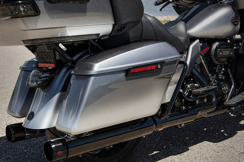 2019 Harley-Davidson CVO™ Limited in New York Mills, New York - Photo 7