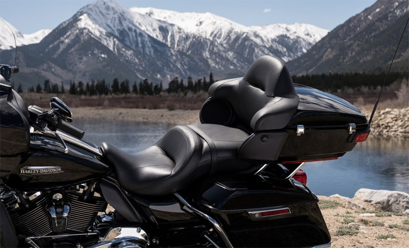 2019 Harley-Davidson Electra Glide® Ultra Classic® in Fairbanks, Alaska - Photo 8