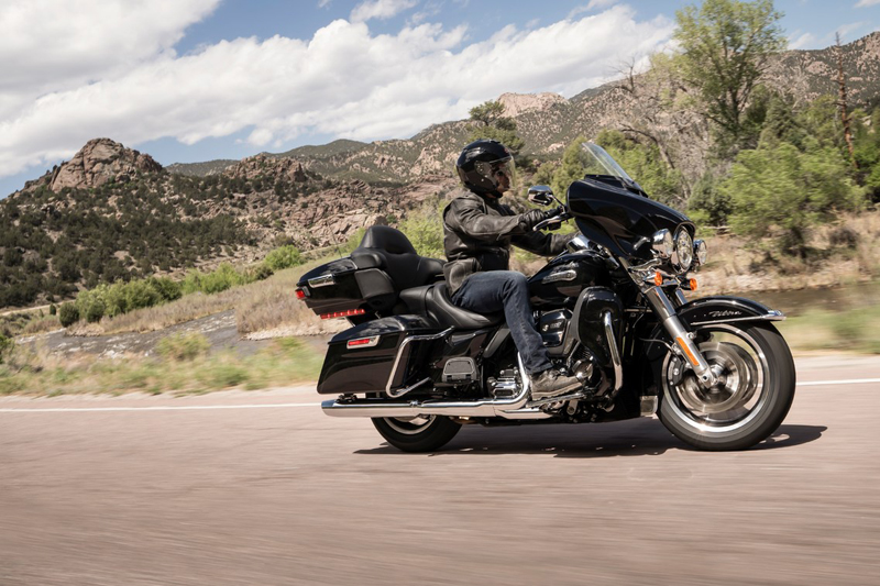 2019 Harley-Davidson Electra Glide® Ultra Classic® in Fairbanks, Alaska - Photo 2
