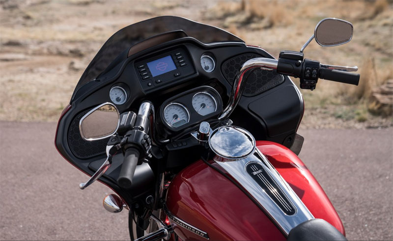 2019 Harley-Davidson Road Glide® in Cedar Rapids, Iowa - Photo 15