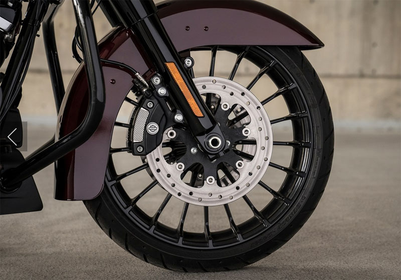 2019 Harley-Davidson Road King® Special in Chippewa Falls, Wisconsin - Photo 8