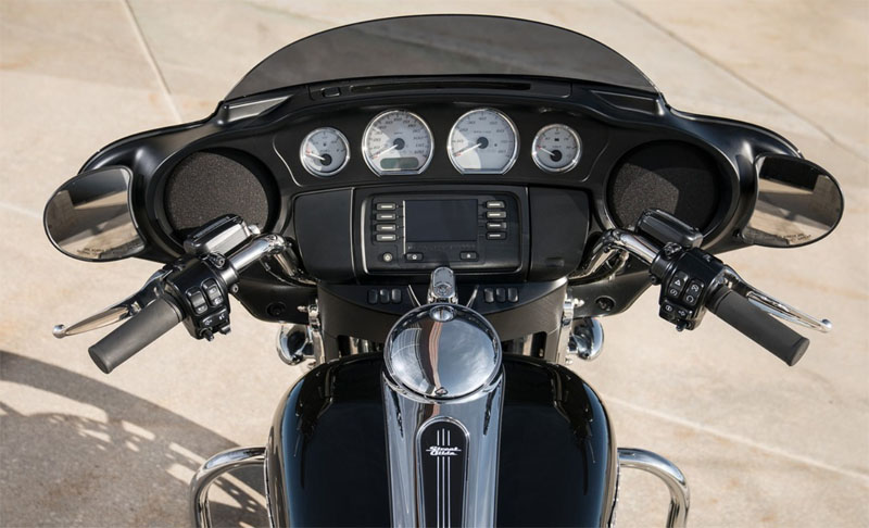 2019 Harley-Davidson Street Glide® in Belmont, Ohio - Photo 7