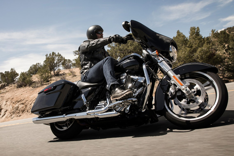 2019 Harley-Davidson Street Glide® in New London, Connecticut - Photo 4