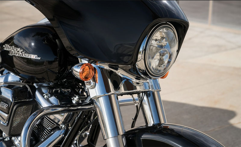 2019 Harley-Davidson Street Glide® in Coralville, Iowa - Photo 5