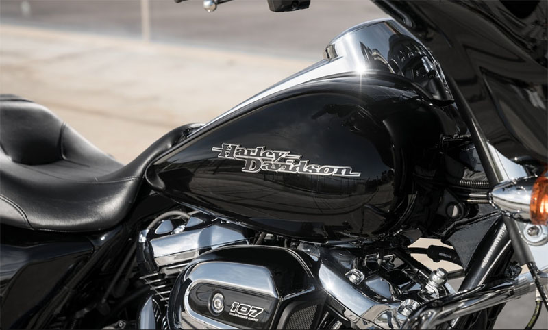 2019 Harley-Davidson Street Glide® in Ames, Iowa - Photo 6