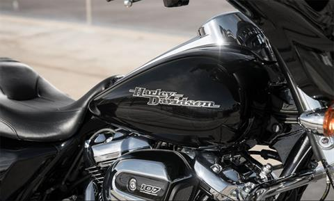 2019 Harley-Davidson Street Glide® in Cedar Rapids, Iowa - Photo 6