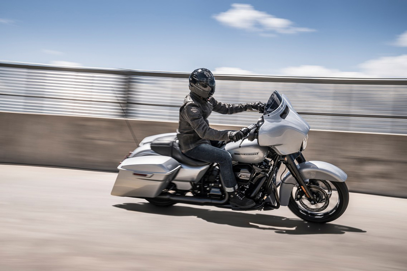 2019 Harley-Davidson Street Glide® Special in Portage, Michigan - Photo 2
