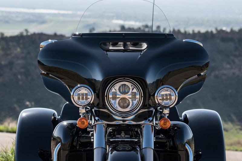 2019 Harley-Davidson Tri Glide® Ultra in Osceola, Iowa - Photo 6