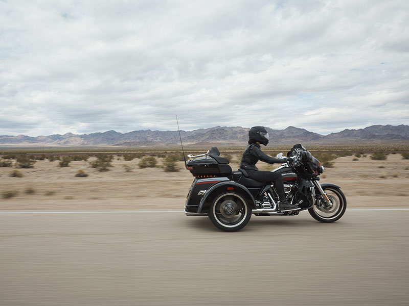 2020 Harley-Davidson CVO™ Tri Glide® in Houston, Texas - Photo 11