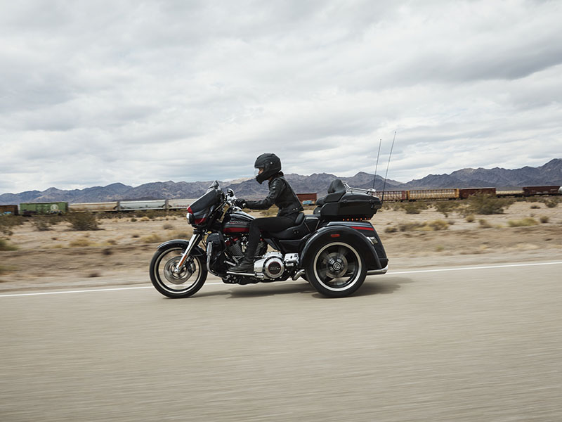 2020 Harley-Davidson CVO™ Tri Glide® in Sarasota, Florida - Photo 14