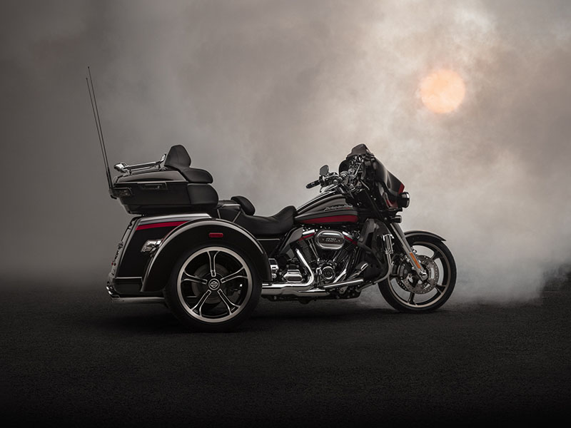 2020 Harley-Davidson CVO™ Tri Glide® in Pittsfield, Massachusetts - Photo 9