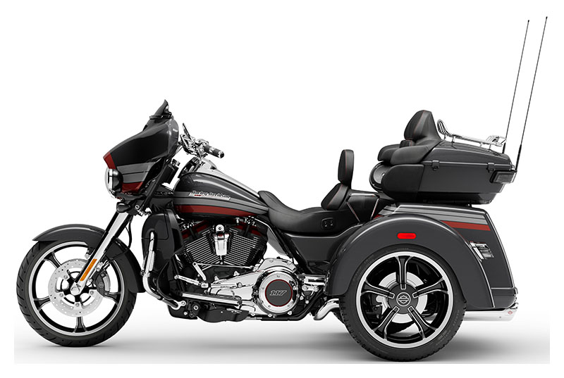 2020 Harley-Davidson CVO™ Tri Glide® in Augusta, Maine - Photo 2