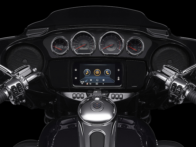 2020 Harley-Davidson CVO™ Tri Glide® in Portage, Michigan - Photo 10