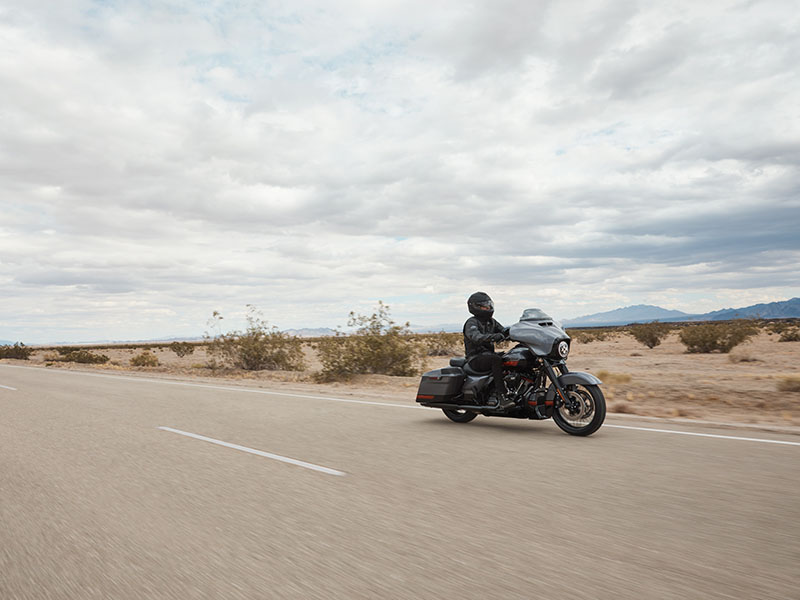 2020 Harley-Davidson CVO™ Street Glide® in Temple, Texas - Photo 12