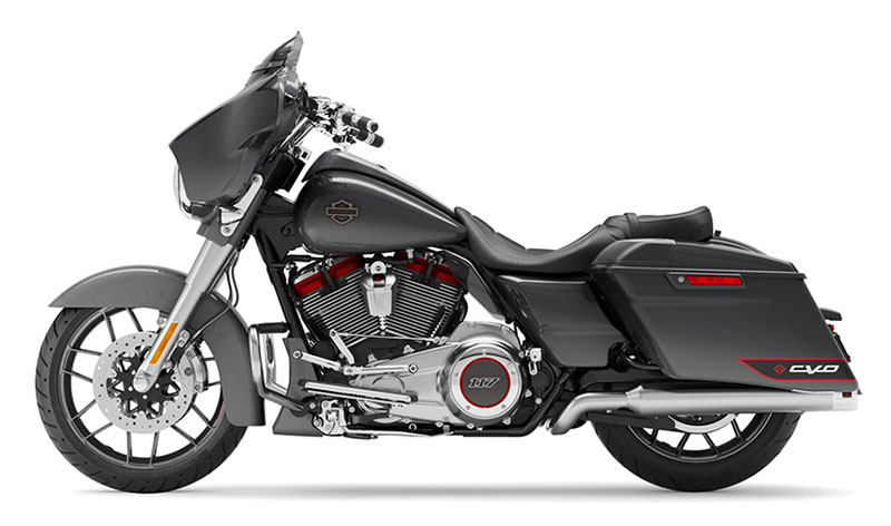 2020 Harley-Davidson CVO™ Street Glide® in Belmont, Ohio - Photo 2