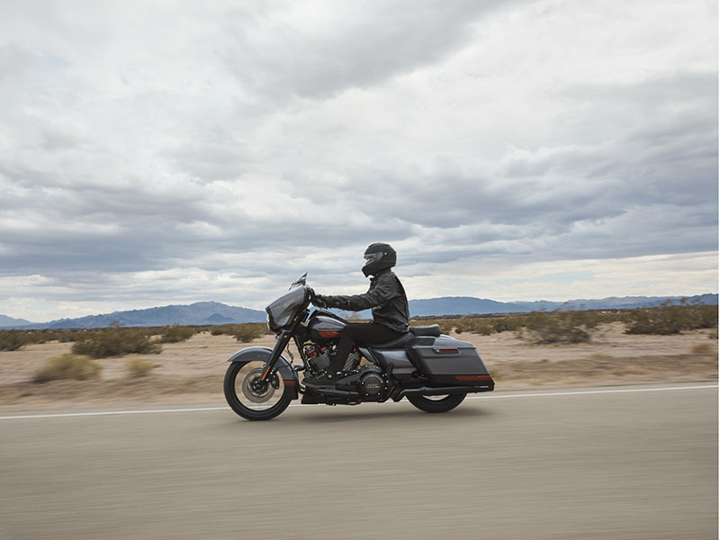 2020 Harley-Davidson CVO™ Street Glide® in Augusta, Maine - Photo 15