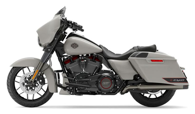 2020 Harley-Davidson CVO™ Street Glide® in Cedar Rapids, Iowa - Photo 2