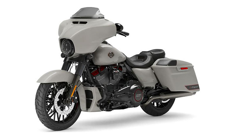 2020 Harley-Davidson CVO™ Street Glide® in Cedar Rapids, Iowa - Photo 4