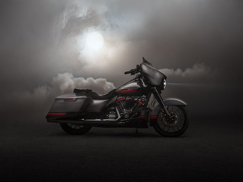 2020 Harley-Davidson CVO™ Street Glide® in Chippewa Falls, Wisconsin - Photo 12
