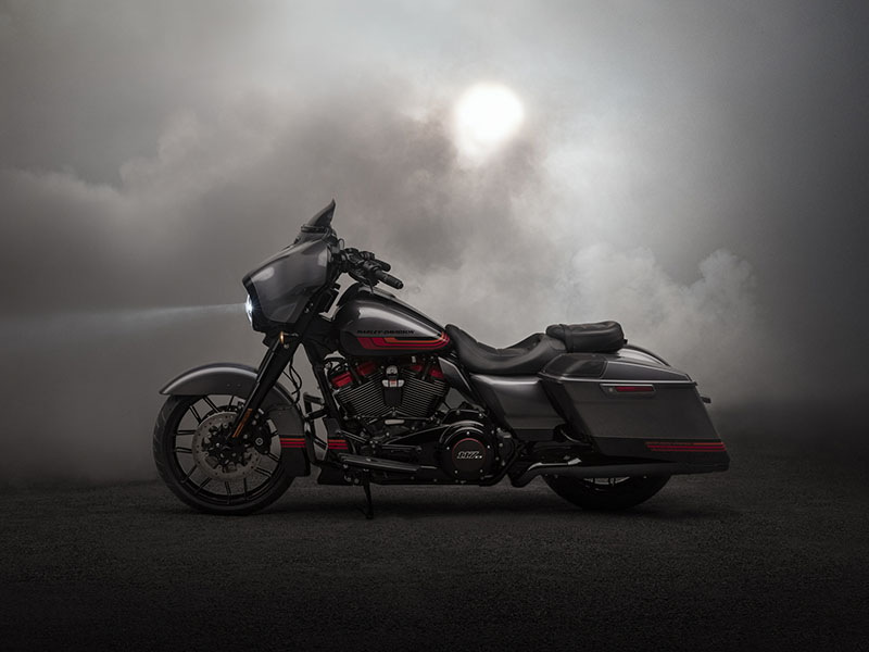 2020 Harley-Davidson CVO™ Street Glide® in Chippewa Falls, Wisconsin - Photo 13