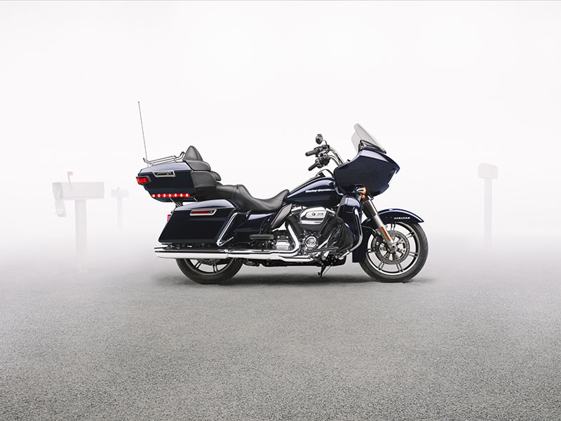 2020 Harley-Davidson Road Glide® Limited in Osceola, Iowa - Photo 6