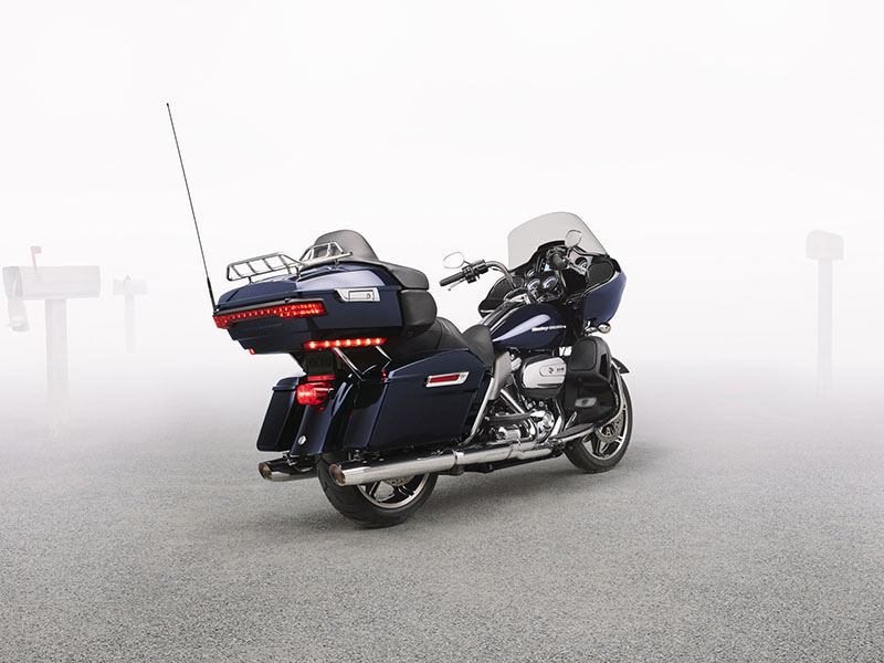 2020 Harley-Davidson Road Glide® Limited in Beaver Dam, Wisconsin - Photo 8