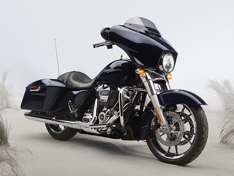 2020 Harley-Davidson Street Glide® in New York Mills, New York - Photo 8