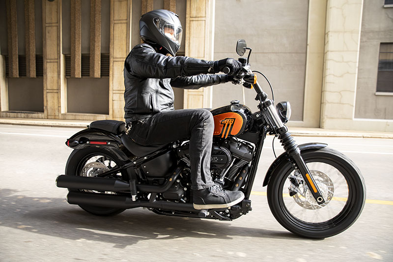 2021 Harley-Davidson Street Bob® 114 in Cedar Rapids, Iowa - Photo 6