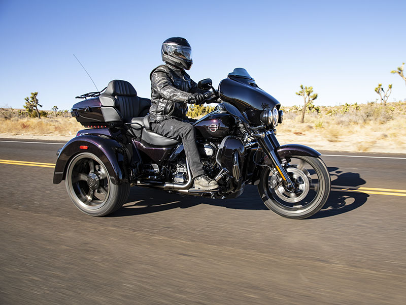2021 Harley-Davidson CVO™ Tri Glide® in Norfolk, Virginia - Photo 8