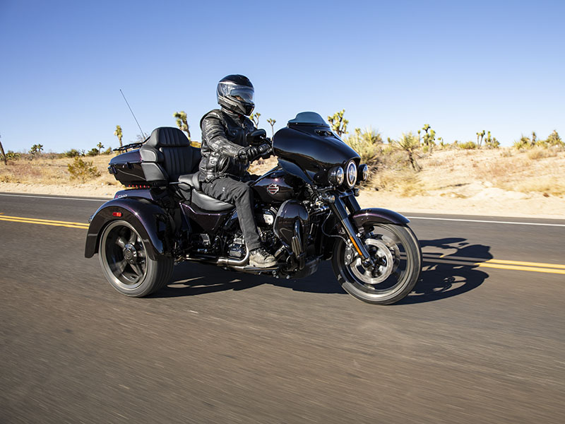 2021 Harley-Davidson CVO™ Tri Glide® in Vacaville, California - Photo 24
