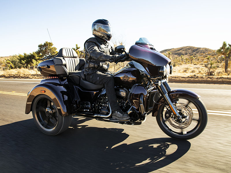 2021 Harley-Davidson CVO™ Tri Glide® in Vacaville, California - Photo 25