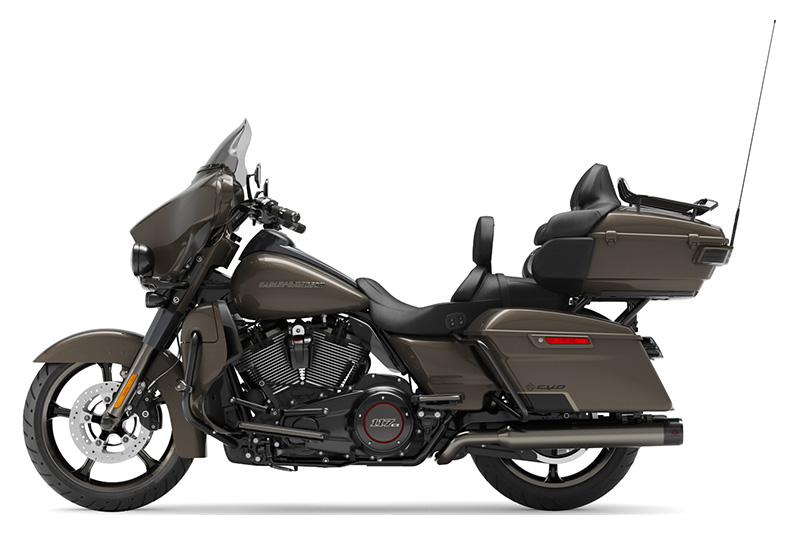 2021 Harley-Davidson CVO™ Limited in Burlington, North Carolina - Photo 2