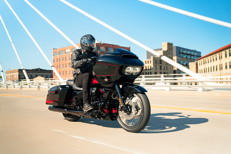 2021 Harley-Davidson CVO™ Road Glide® in Dubuque, Iowa - Photo 8