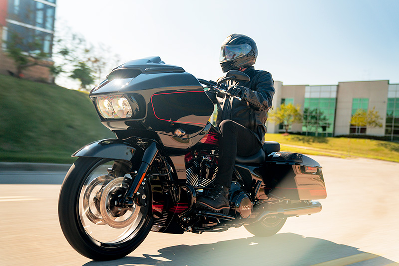 2021 Harley-Davidson CVO™ Road Glide® in The Woodlands, Texas - Photo 9