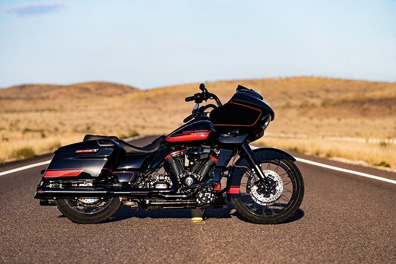 2021 Harley-Davidson CVO™ Road Glide® in Ukiah, California - Photo 13
