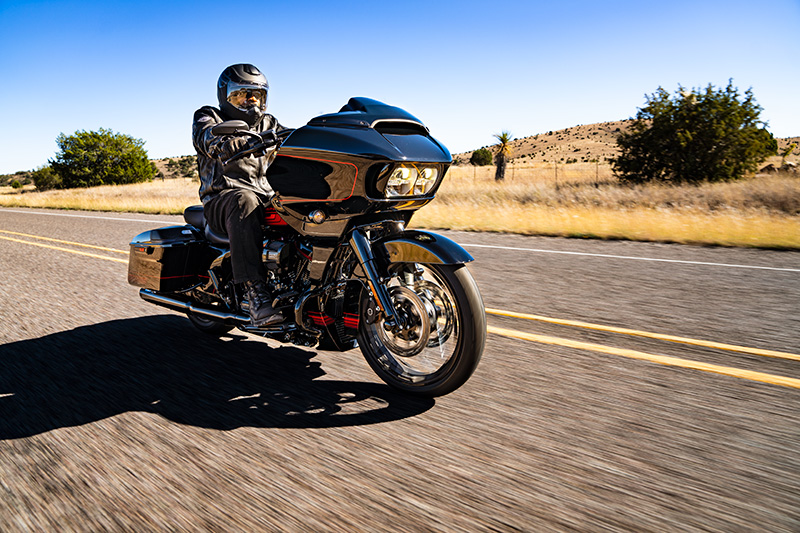 2021 Harley-Davidson CVO™ Road Glide® in Green River, Wyoming - Photo 15