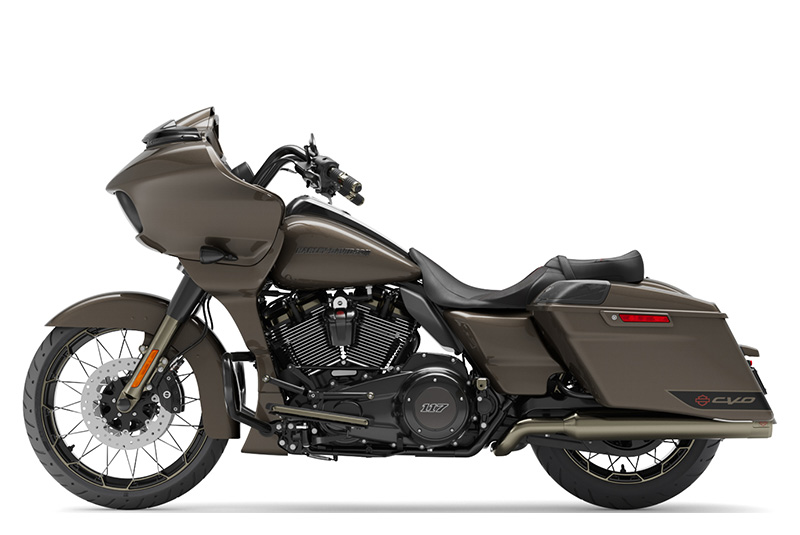 2021 Harley-Davidson CVO™ Road Glide® in Chippewa Falls, Wisconsin - Photo 2