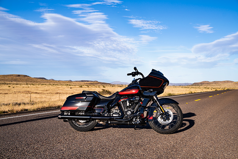 2021 Harley-Davidson CVO™ Road Glide® in Coralville, Iowa - Photo 11